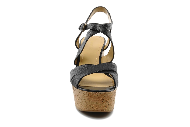 Sandales et nu-pieds Nine West Guessagain Noir vue portées chaussures