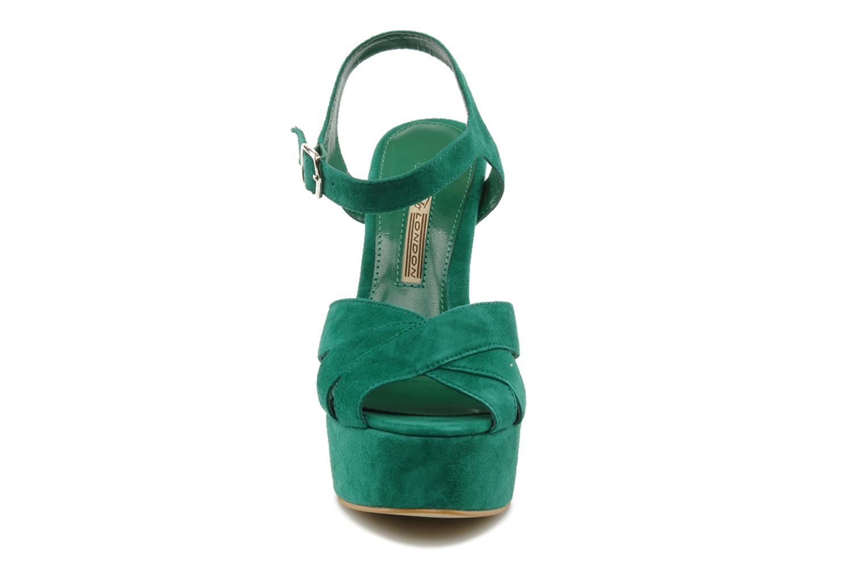 Sandali e scarpe aperte Buffalo Lizy Verde modello indossato
