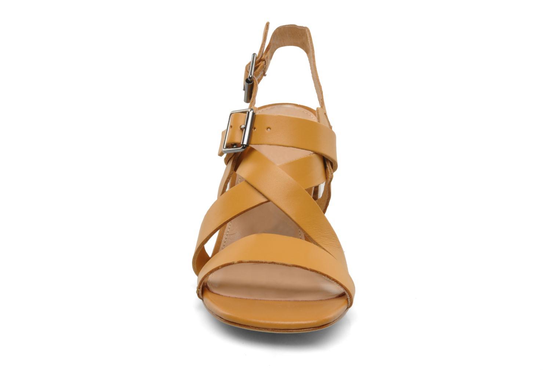 Sandalen Mellow Yellow Lamante braun schuhe getragen