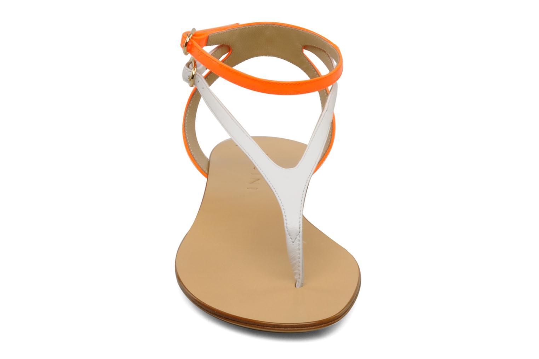 Sandales et nu-pieds Vicini Victorinne Blanc vue portées chaussures