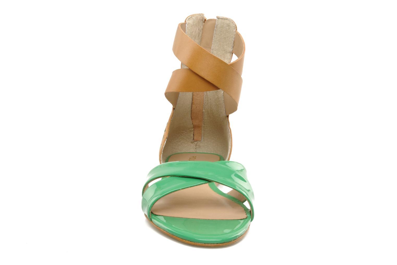 Sandalen Pour La Victoire Fabia grün schuhe getragen