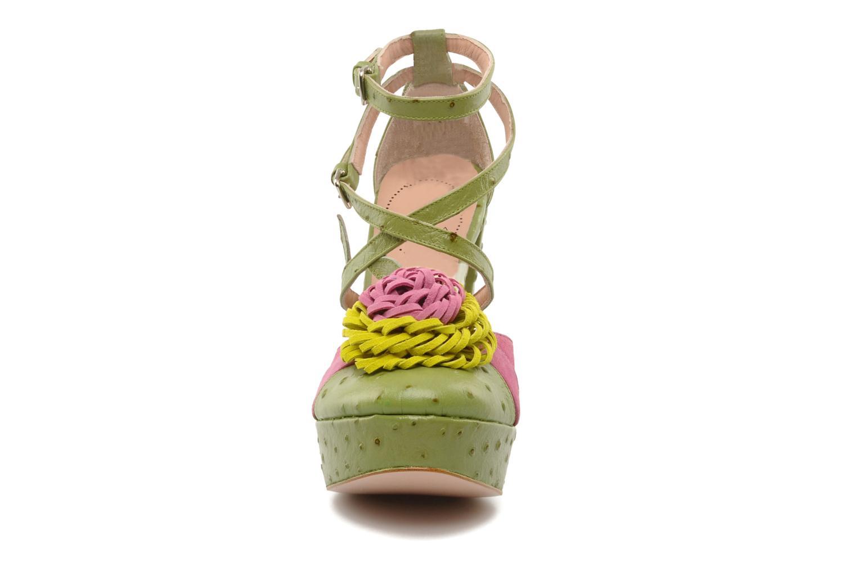 Sandales et nu-pieds Minna Parikka POMPOM SANDAL Vert vue portées chaussures