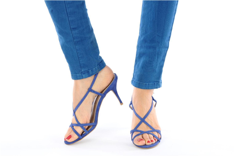 Sandalen Studio TMLS Isabel blau ansicht von unten / tasche getragen