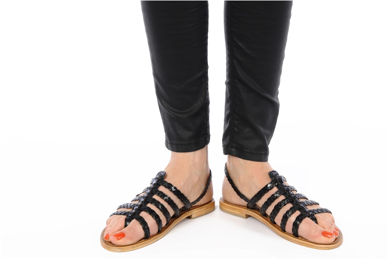 Sandales et nu-pieds Les Tropéziennes par M Belarbi Heritres Noir vue bas / vue portée sac