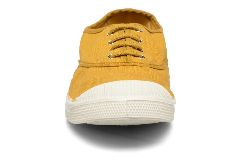Deportivas Bensimon Tennis Lacets Amarillo vista del modelo