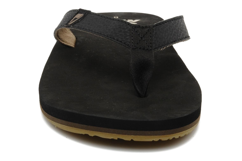 Tongs Reef Reef Slim Smoothy Noir vue portées chaussures