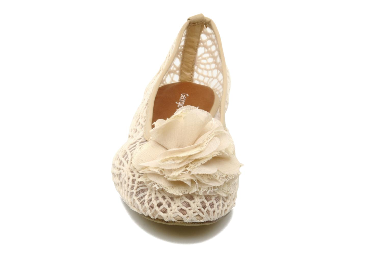 Ballerines Georgia Rose Furi Beige vue portées chaussures