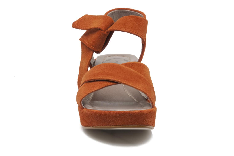 Sandali e scarpe aperte Addict-Initial Ariana Arancione modello indossato