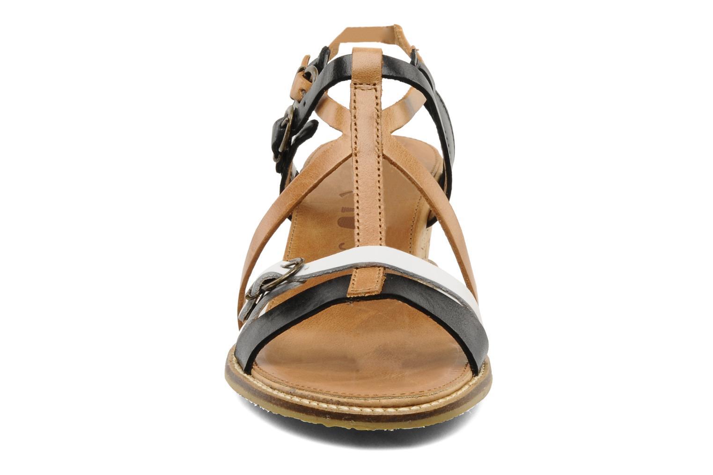 Sandales et nu-pieds Kickers SUBMARINE Noir vue portées chaussures