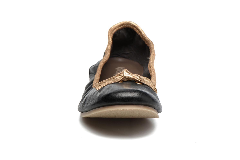 Ballerines Kickers Liberta Noir vue portées chaussures