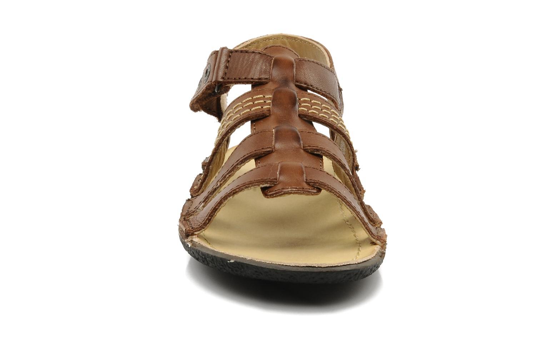 Sandales et nu-pieds Kickers PEPITO V Marron vue portées chaussures