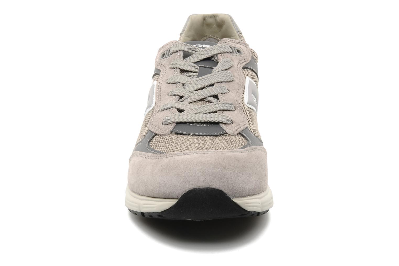Baskets Geox U DYNAMIC M Gris vue portées chaussures