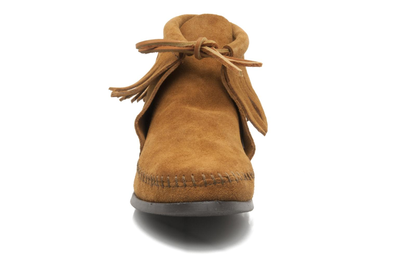 Stiefeletten & Boots Minnetonka CLASSIC FRINGE braun schuhe getragen