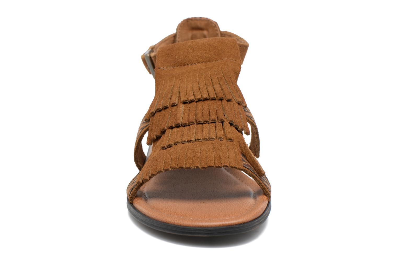 Sandalen Minnetonka Maui braun schuhe getragen