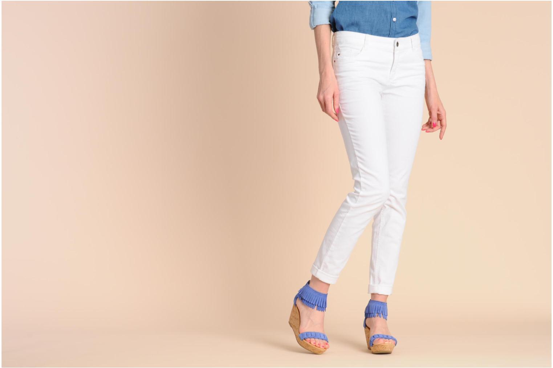 Sandales et nu-pieds Minnetonka Nicki Rouge vue bas / vue portée sac