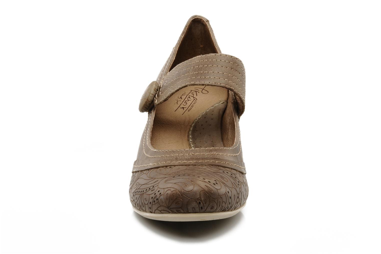 High heels Pikolinos Florencia 8223 Brown model view