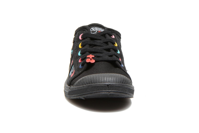Sneaker Le temps des cerises Basic 02 E schwarz schuhe getragen