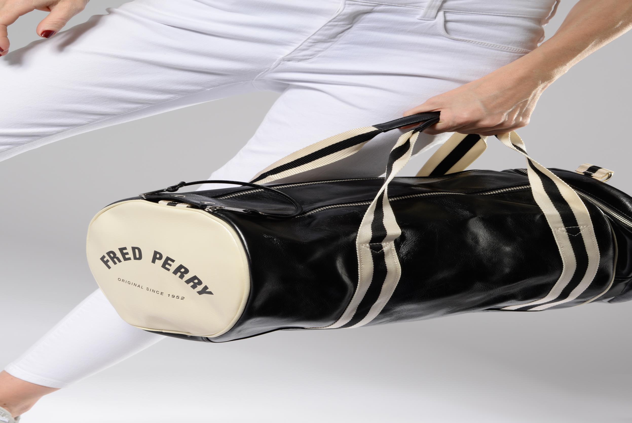 Sacs de sport Fred Perry Classic Barrel Bag Gris vue haut