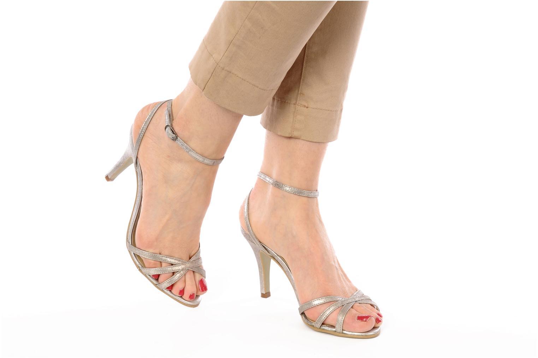 Sandalen Georgia Rose Tomina silber ansicht von unten / tasche getragen