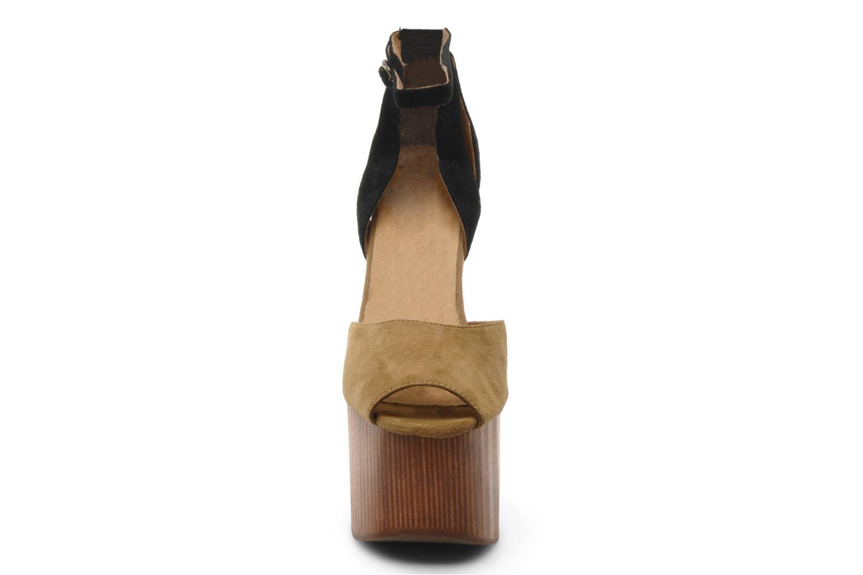 Sandali e scarpe aperte Jeffrey Campbell STRUP Verde modello indossato