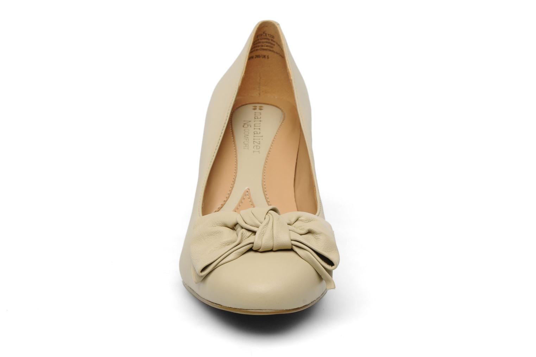 Escarpins Naturalizer Stev Beige vue portées chaussures