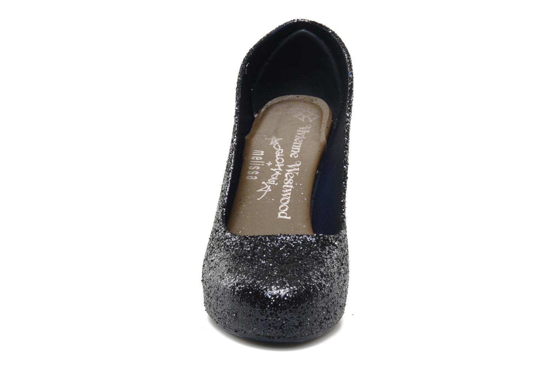 Zapatos de tacón Melissa Vivienne Westwood + Melissa Skyscraper III Negro vista del modelo