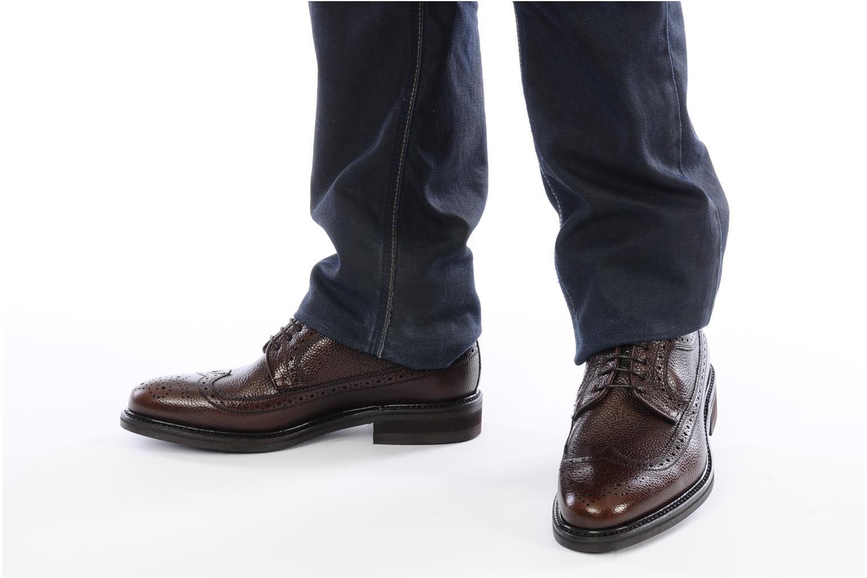 Chaussures à lacets Finsbury Barton Marron vue bas / vue portée sac