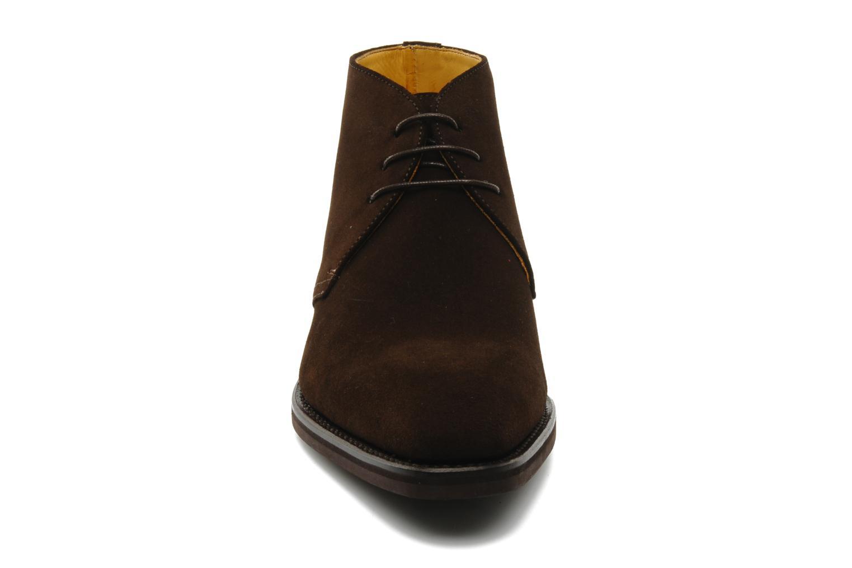 Chaussures à lacets Finsbury Chukka Marron vue portées chaussures