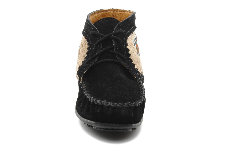Bottines et boots Minnetonka EL PASO ANKLE BOOT Noir vue portées chaussures