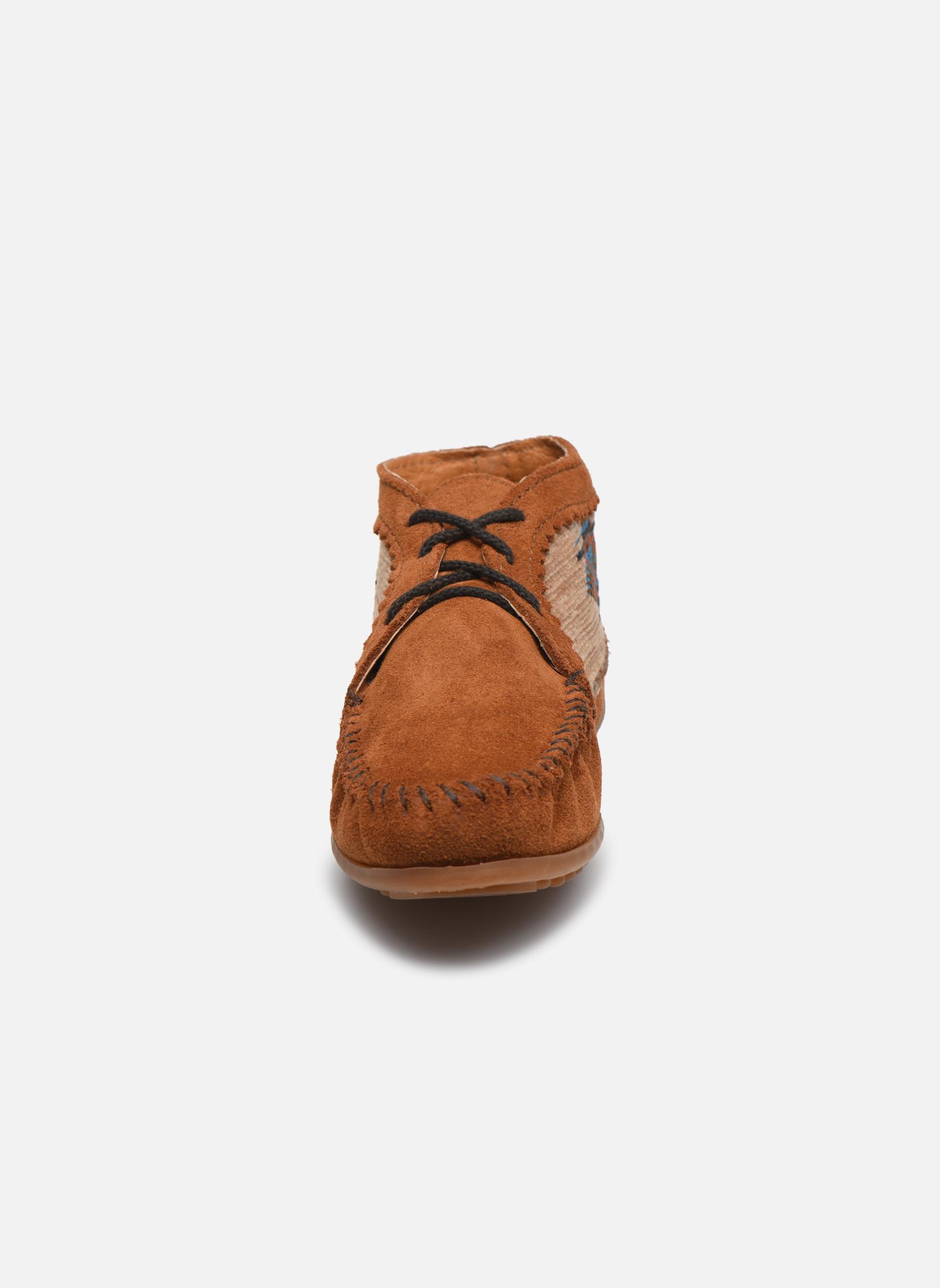Bottines et boots Minnetonka EL PASO ANKLE BOOT Marron vue portées chaussures