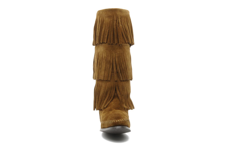 Boots Minnetonka 3 LAYER FRINGE BOOT Brun bild av skorna på