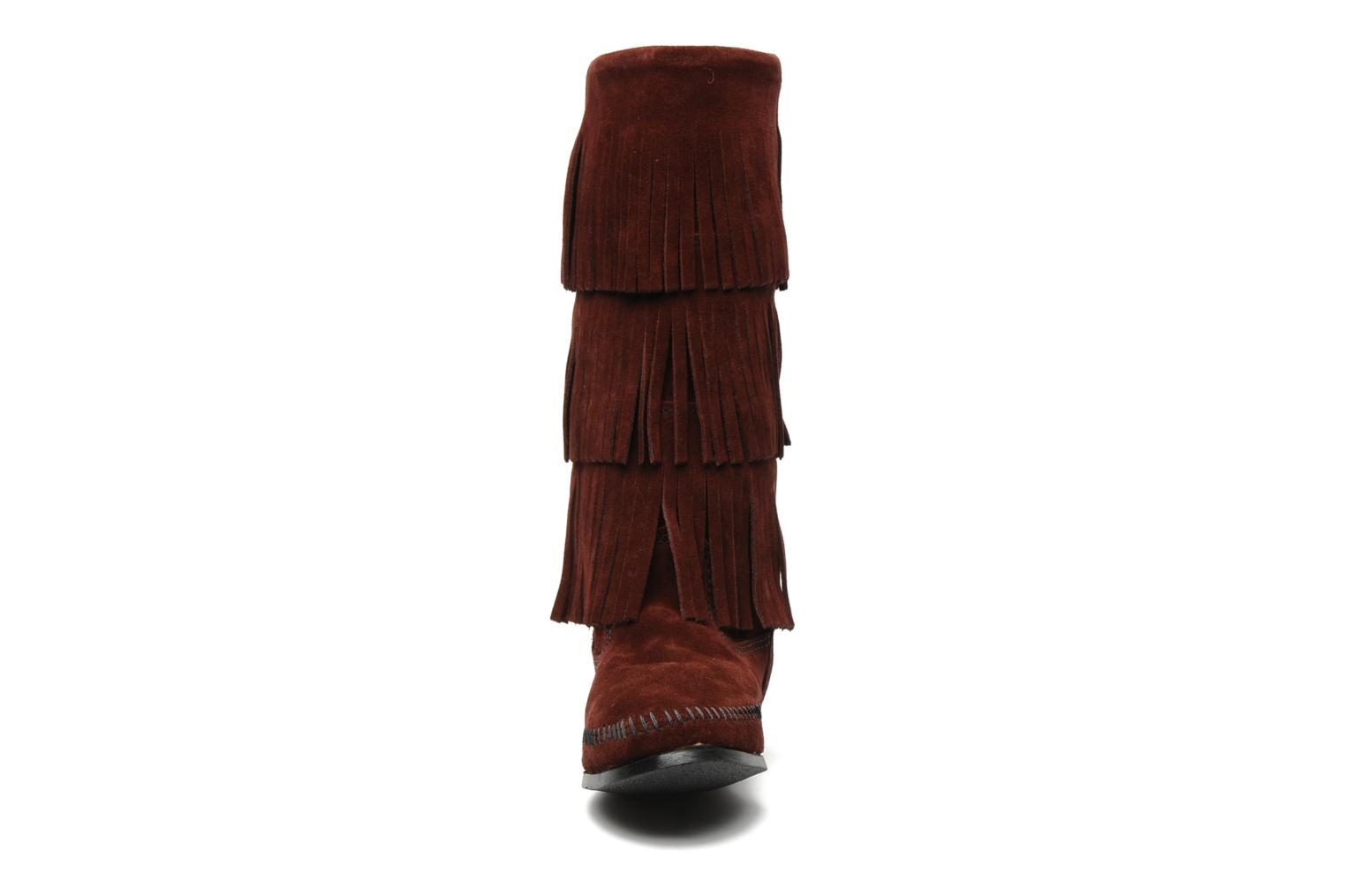 Ankle boots Minnetonka 3 LAYER FRINGE BOOT Burgundy model view