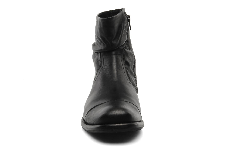 KEYSTONE waxy black