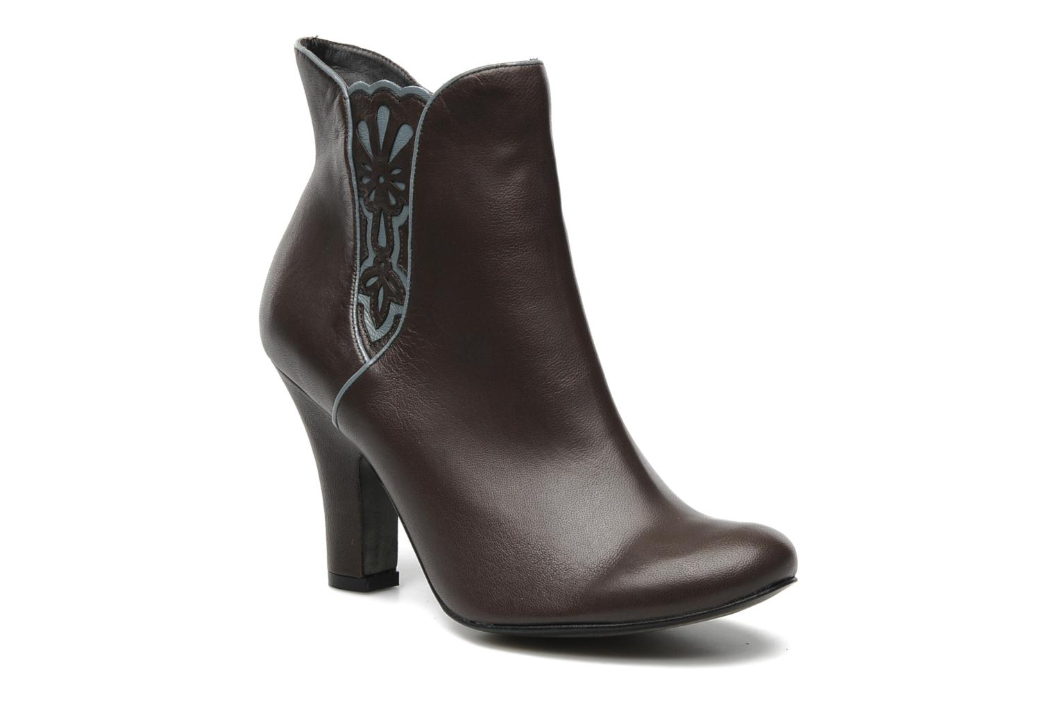 Ankle boots Bocage Ikeio Brown detailed view/ Pair view
