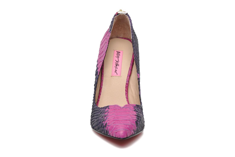 High heels Betsey Johnson TAYLR Pink model view