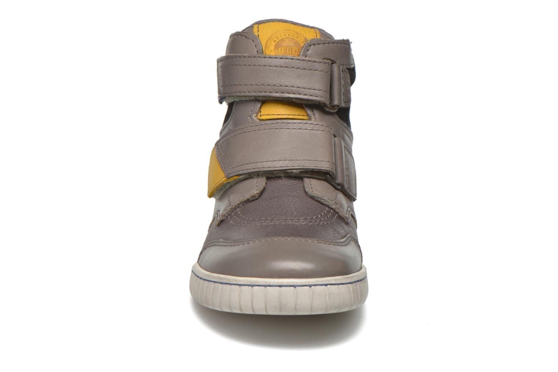 Chaussures à scratch Kickers Winsor Gris vue portées chaussures