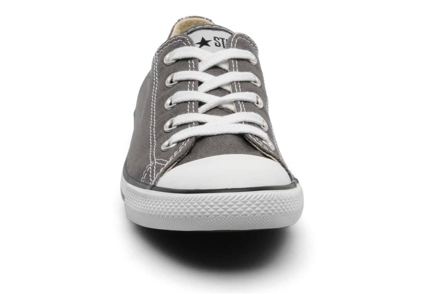 Baskets Converse All Star Dainty Canvas Ox Gris vue portées chaussures