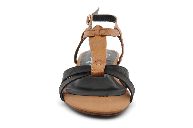 Sandali e scarpe aperte Refresh ARAM Nero modello indossato