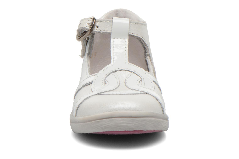 Bottines et boots Babybotte Princess Blanc vue portées chaussures