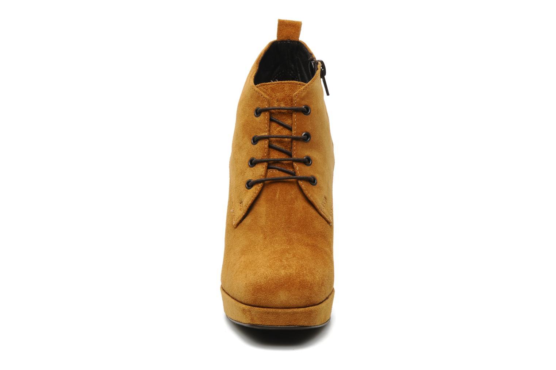 Bottines et boots Georgia Rose Nuts Marron vue portées chaussures