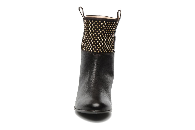 Bottines et boots Paul & Betty Studs Marron vue portées chaussures