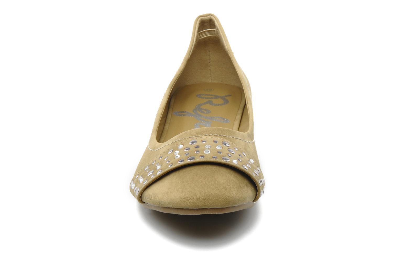 Ballerines Refresh Valencina Beige vue portées chaussures