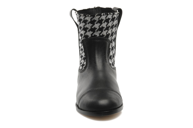 Bottines et boots Petite Maloles PETITE SABINE Noir vue portées chaussures