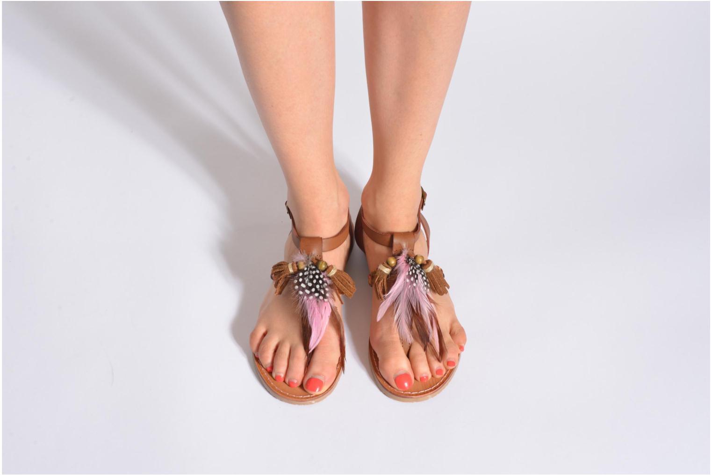 Sandales et nu-pieds Coolway MELROSE Marron vue bas / vue portée sac