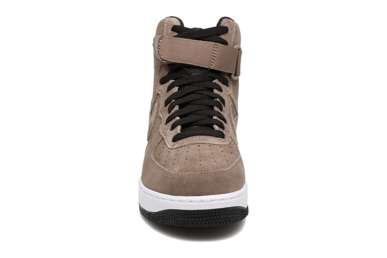 Baskets Nike Air Force 1 High'07 Marron vue portées chaussures