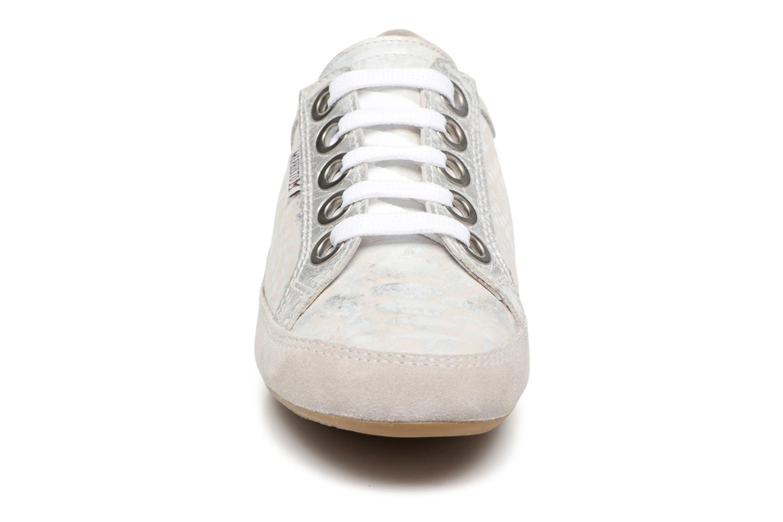 Baskets Mephisto Bretta Argent vue portées chaussures