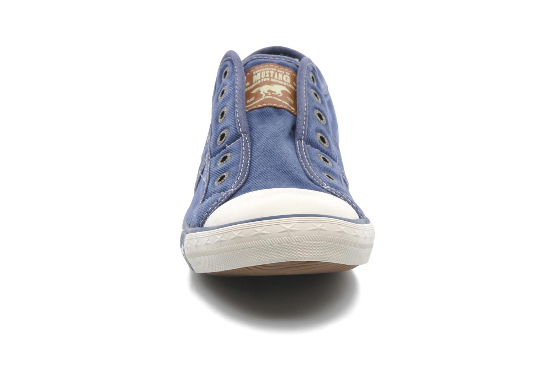 Baskets Mustang shoes Marco Bleu vue portées chaussures
