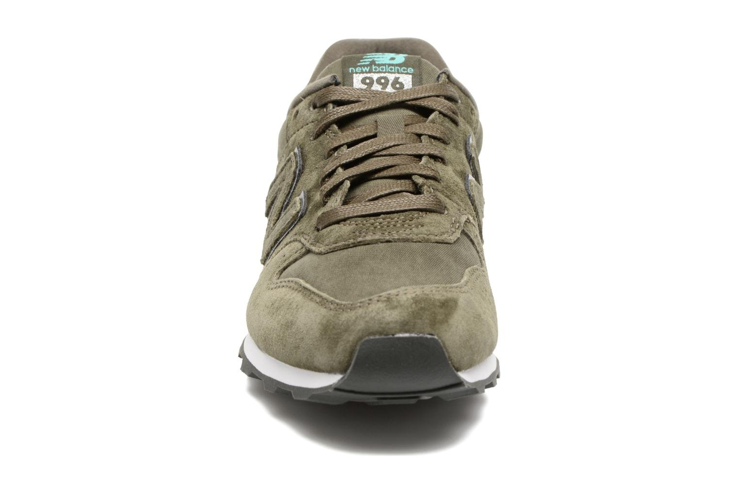 Trainers New Balance WR996 Green model view