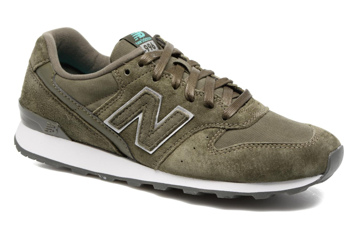 Trainers New Balance WR996 Green detailed view/ Pair view