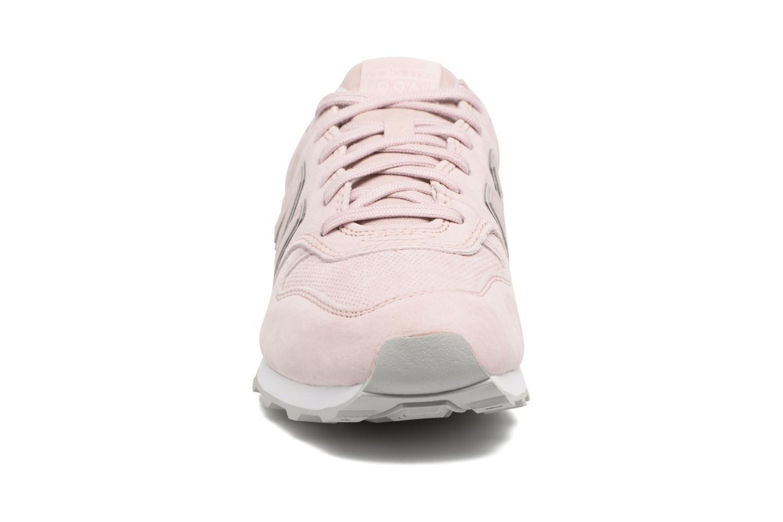 Baskets New Balance WR996 Rose vue portées chaussures